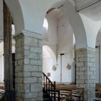 Une arcade du mur nord de la nef vue vers le sud-ouest (2006)