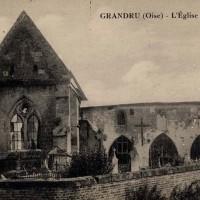 L'église partiellement ruinée durant la Grande Guerre