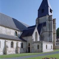 Vue partielle de l'église depuis le sud-ouest (2007)