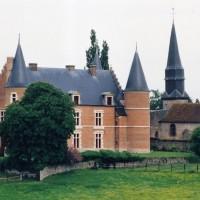 Le château et l'église vus du nord-est (2005)