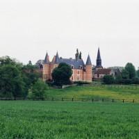 L'église et son environnement vus du nord-est (2005)