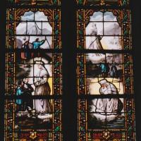 Vitrail des apparitions de la Vierge (2003)