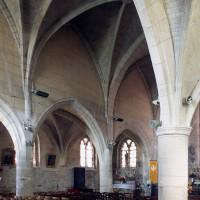 Vue partielle de la nef vers le nord-est depuis le bas-côté sud