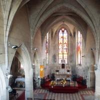 L'intérieur vu vers l'est depuis la tribune de la nef (2000)