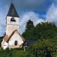 L'église dans son environnement vue de l'est (2005)