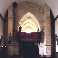 L'intérieur du clocher porche vu vers l'ouest (2005)