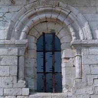 Fenêtre du mur du bas-côté sud de la nef (2001)