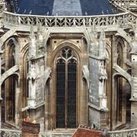 Les parties hautes du choeur vues depuis la tour sud de Saint-Pierre (1982)