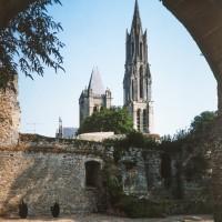 La cathédrale dans son environnement vue du nord-ouest depuis le Palais royal (1986)