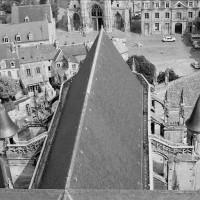 Les parties hautes du choeur vues vers l'est depuis la flèche (1970)
