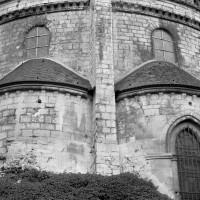 Vue partielle du choeur du 12ème siècle depuis le nord-est (1986)