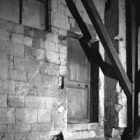 Porte donnant sur l'extérieur de la tribune nord du choeur (1986)