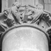Le chapiteau de la pile circulaire de l'ancienne salle capitulaire