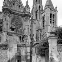 Vues partielle du bras nord du transept depuis le nord (1986)
