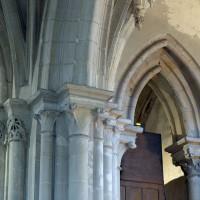 Arcade et chapiteaux du 13ème siècle à l'est du bras sud du transept (2018)