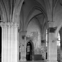 Vue partielle du transept vers le nord-ouest depuis le choeur (1993)