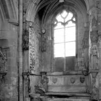 La sépulture de Jean de Bruges, seigneur de la Gruthuse, et de Louise de Néelle dans le bras nord du transept