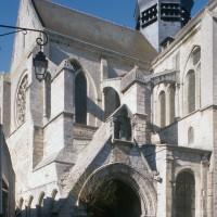La nef et le mur ouest du bras sud du transept vus du sud-ouest (1996)