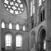 Le bras sud vu du transept vers le sud-ouest