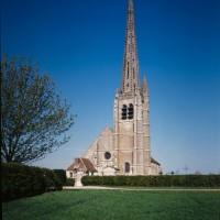 L'église dans son environnement vue de l'ouest (1995)