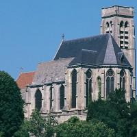 Les parties orientales de l'église vues du sud-est (1996)