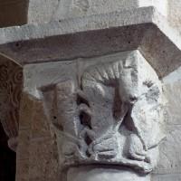 Chapiteau de la nef (étape 2 de la reconstruction de l'église) (1995)