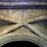 Voûte d'ogives du couloir circulaire du choeur (1995)