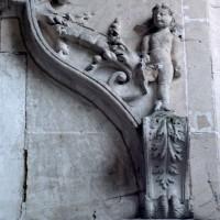 Détail du décor de l'enfeu de la chapelle renaissance (2006)