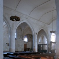 Vue partielle de la nef vers le nord-est (2006)