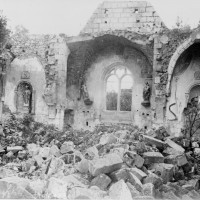 L'église en ruines durant la Guerre 14-18 (Gallica)