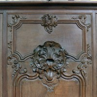 Détail d'une boiserie provenant de la Chartreuse du Mont-Renaud actuellement à la cathédrale de Noyon (2008)