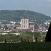 La cathédrale dans son environnement vue du sud-ouest (2006)