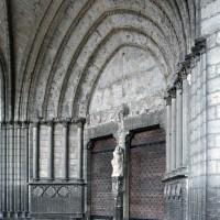 Le portail central vu vers le nord-ouest (2007)