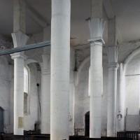 L'intérieur vu du bas-côté nord vers le sud-ouest (1996)