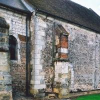 La nef et l'amorce du choeur primitif vus du nord-est (2004)