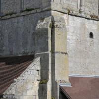 Le premier étage du clocher-porche vu du nord-ouest (2016)