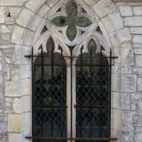 Fenêtre à l'extrémité est du bas-côté nord de la nef (2016)