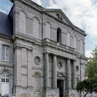 La façade ouest vue du nord-ouest (2006)