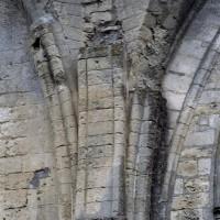 Retombée des voûtes du mur est du bras sud du transept (2006)