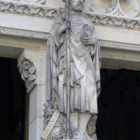 La statue de Viollet-le-Duc au trumeau du portail ouest (2019)