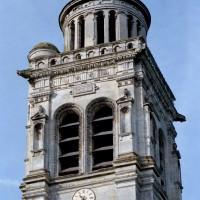 L'étage supérieur du clocher vu du nord-est (2008)