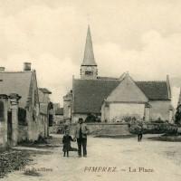 La place et l'église en 1912