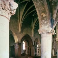 Vue partielle de la nef vers le nord-est depuis le bas-côté sud (1997)