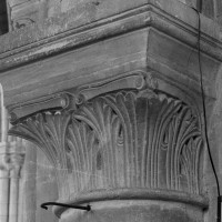 Chapiteau à la retombée sud de l'arcade ouest du bras nord de l'ancien transept (1999)