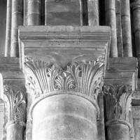 Chapiteaux de l'arcade ouest de l'ancienne croisée du transept (1999)