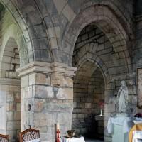 L'arcade nord de la dernière travée de la nef et le croisillon nord vus vers le nord-est (2006)