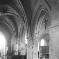 Le bas-côté nord de la nef vu vers le sud-est (1996)