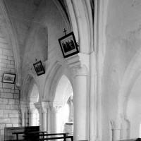 Vue partielle du mur gouttereau nord de la nef vers le nord-ouest (1994)