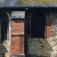 Vue partielle du mur sud de l'église (2005)