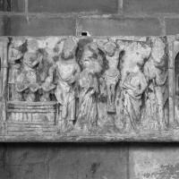 Bas-relief déposé dans la tribune de l'avant-nef (1996)